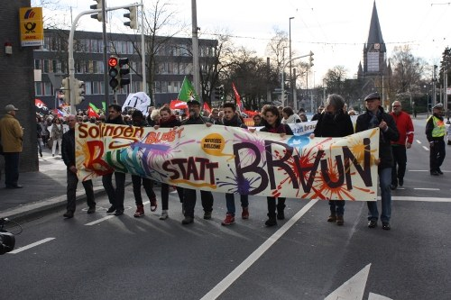 Große Solidaritätsdemo für Flüchtlinge in Solingen