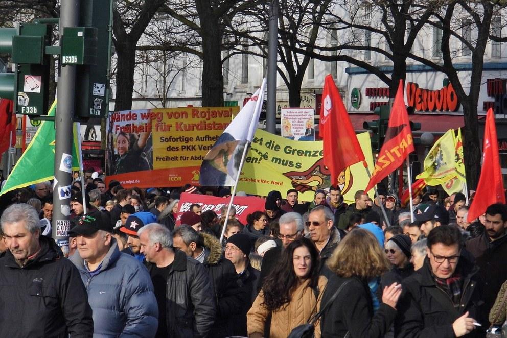Hamburg: Große Solidaritätsdemo mit dem kurdischen Freiheitskampf