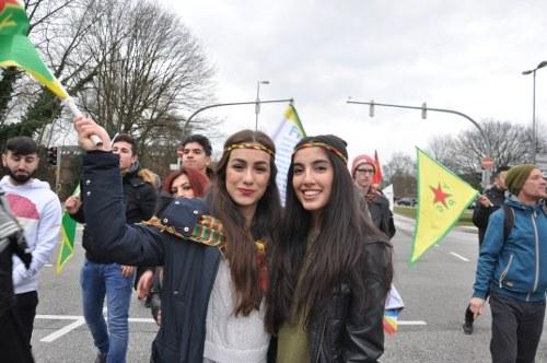 Heilbronn: Polizei gegen Kurden und Montagsdemo