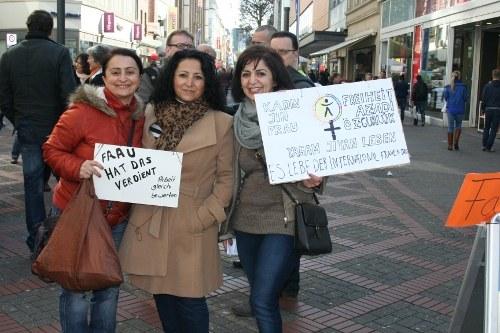 Thema zum 8. März: Frauen bekommen erheblich weniger Lohn und Rente als Männer