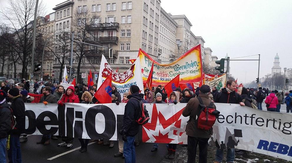 Lenin-Liebknecht-Luxemburg 2016: Zehntausende beim Gedenken und 14.000 auf der Demonstration