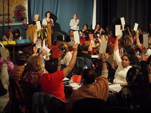 Generalversammlung der Weltfrauenkonferenz beschließt Resolution
