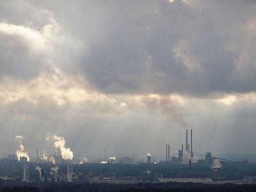 Stahlarbeiter und Umweltbewegung international: Kampf um jeden Arbeitsplatz und gegen die globale Umweltkatastrophe
