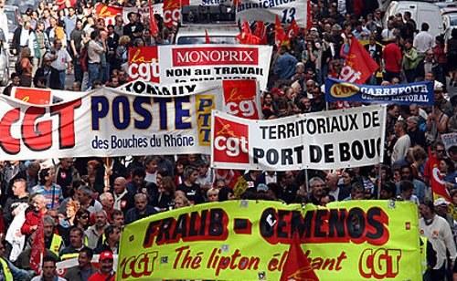 Frankreich: Massenproteste gegen neue Arbeitsgesetze