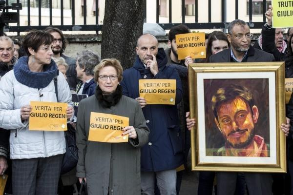 """Massen in Italien fordern: """"Die Wahrheit im Fall Giulio Regeni"""""""