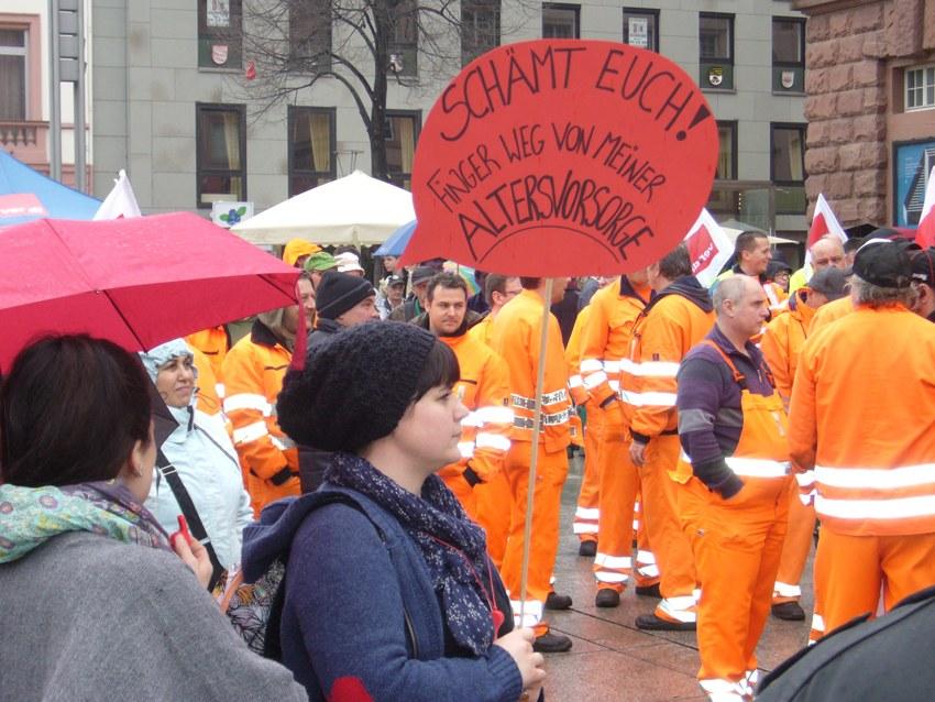 ver.di: Warnstreiks in Mainz und Wuppertal und Streik bei Amazon