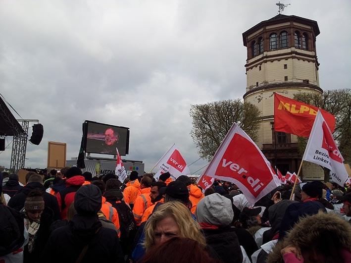 Streikaktionstag von ver.di in Düsseldorf: Aufzählung der bestreikten Betriebe nahm kein Ende