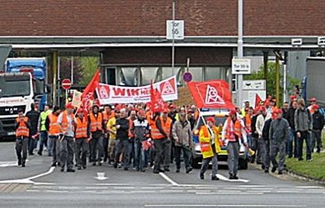 Bisher 328.000 Warnstreikende in der Metallindustrie - wachsende Empörung unter VW-Belegschaften