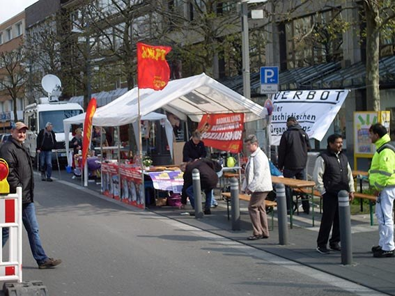 Antifaschisten gegen NPD-Aufmarsch in Bochum