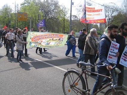 Leipzig: Viele Diskussionen am MLPD-Stand am 1. Mai