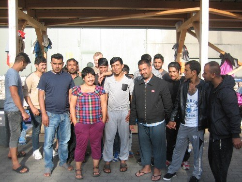 """München: Mutiger Protest junger Flüchtlinge vor der """"Bayernkaserne"""""""
