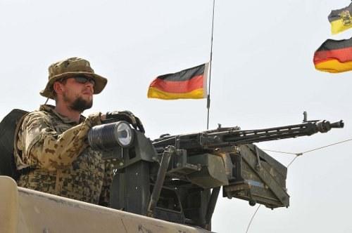 Weißbuch 2016: Massive Aufrüstung, mehr Auslandseinsätze der Bundeswehr und Einsatz nach Innen