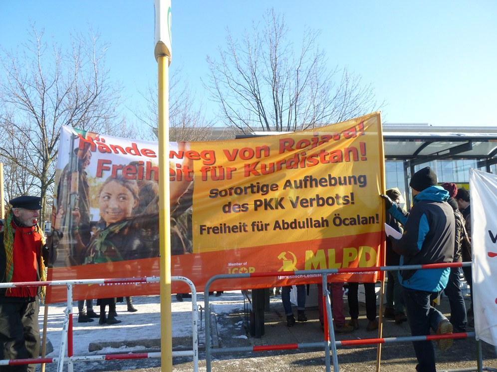 Berlin: Kämpferischer Protest gegen Davutoğlu  und die Kumpanei der Bundesregierung mit dem Erdogan-Regime