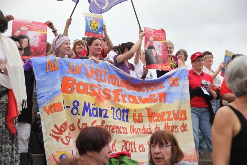 Weltweite Verbundenheit und Initiative in der Vorbereitung der Weltfrauenkonferenz der Basisfrauen in Nepal