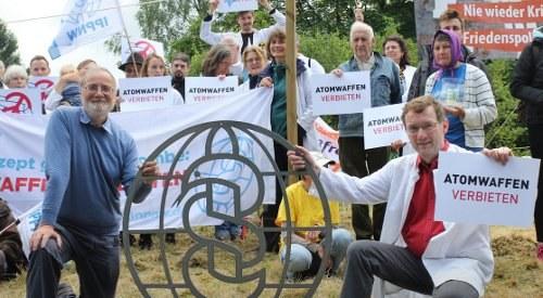 IPPNW fordert Lieferstopp für AKW-Brennstoffe und blockiert Fliegerhorst Büchel
