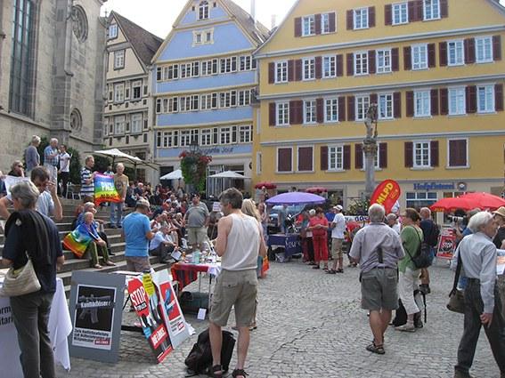 """Antikriegstag in Tübingen: """"Krieg beginnt hier - bekämpfen wir ihn hier!"""""""
