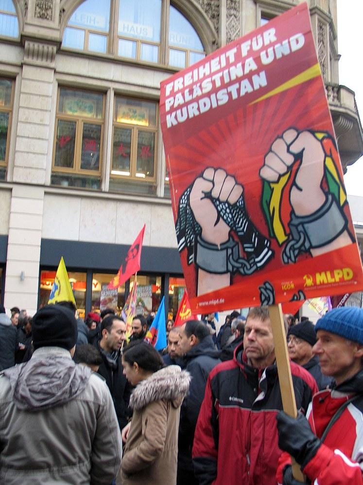 Gegen den Staatsterror in der Türkei: Protestdemos letzten Samstag, Mahnwache und Demo diese Woche