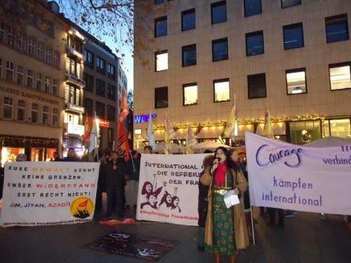 Vielfältige und viel beachtete Aktionen zum Internationalen Tag gegen Gewalt an Frauen