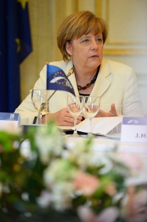 """""""Neue Töne"""" von Bundeskanzlerin Merkel in der Flüchtlingspolitik?"""