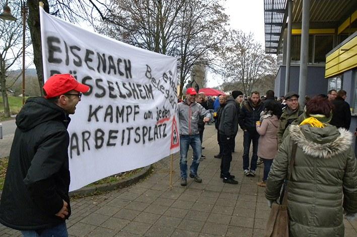 Die Fackel weiter tragen – Kundgebung zur Betriebsversammlung bei Opel Eisenach