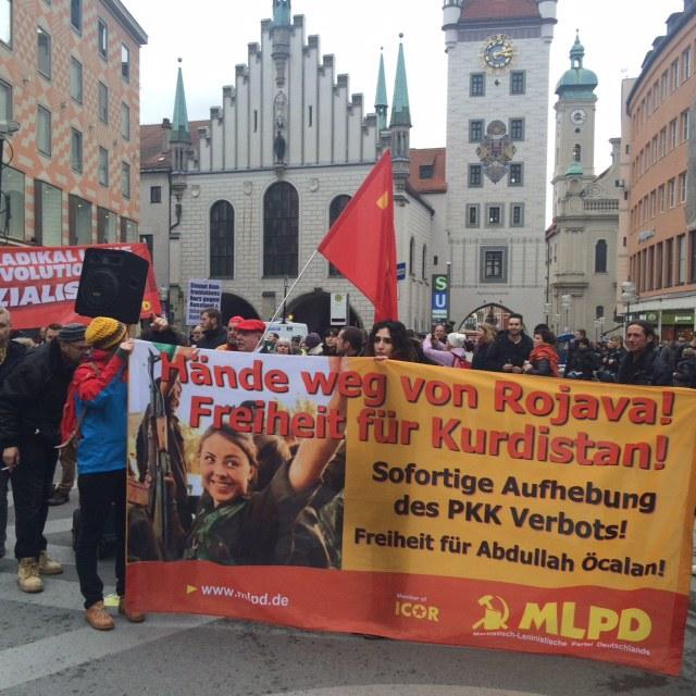 """Große kämpferische Demonstration gegen die """"Siko"""" - rund um die Münchner Festung"""