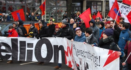 Organisierte Rebellion der Jugend - die Antwort auf den Rechtsruck der Regierung