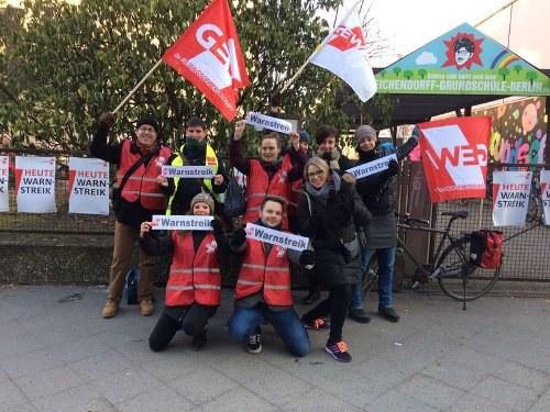 8.000 Teilnehmerinnen und Teilnehmer beim Warnstreik in Berlin