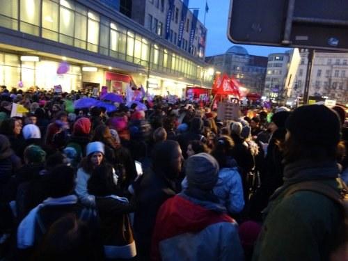 Große Frauentagsdemonstration in Berlin zum 8. März wurde in den Medien weitgehend ausgeblendet