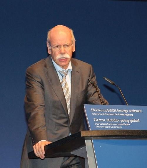 """Abgasmanipulation: Daimler-Chef Zetsche räumt """"Fehler"""" ein"""