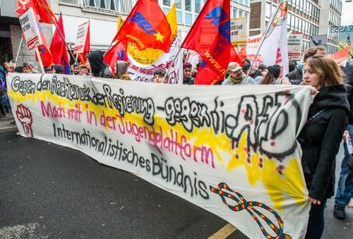 AfD-Parteitag positioniert sich offen rassistisch, nationalistisch und ultrareaktionär