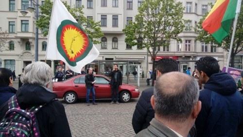 """Halle: """"Keine Bombe kann den Kampf für Demokratie ersticken"""""""