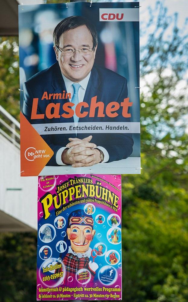 Armin Laschet und die Puppenbühne