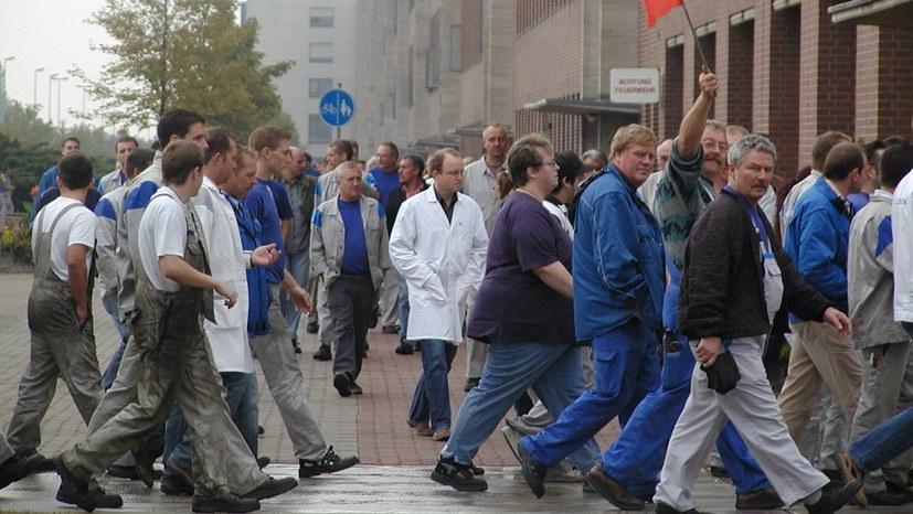 VW-Beschäftigte im unbefristetem Streik
