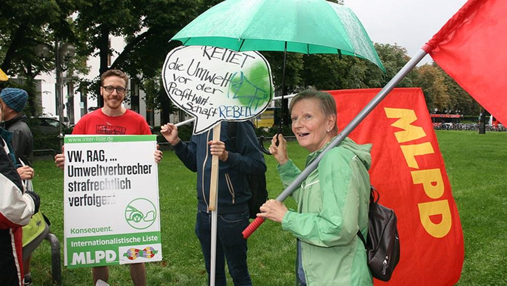 Konsequent für die Rettung der Umwelt vor der Profitwirtschaft (Rote Fahne-Foto)