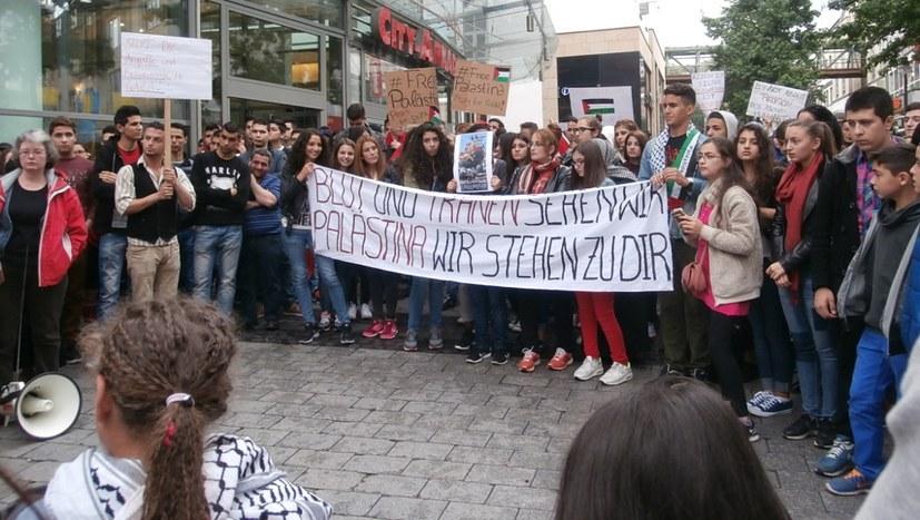 Solidarität mit dem Freiheitskampf der Palästinenser - ein Markenzeichen der MLPD (rf-foto)