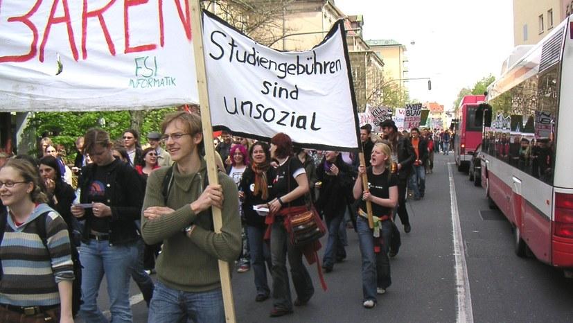 """""""Demonstrationsrecht verteidigen!"""" - Grundrechtekongress"""