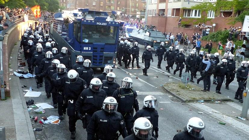 G20-Gegner freilassen! Polizei-Brutalität kommt ans Licht