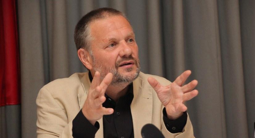 """Stefan Engel: """"Die heutigen Erfahrungen durchdringen sich mit den Lehren aus der Oktoberrevolution"""""""