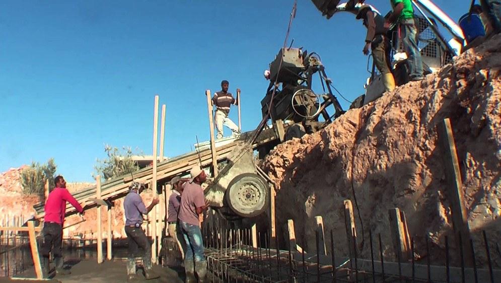Bau des ICOR-Gesundheitszentrums (Foto: kobane-brigade.org)