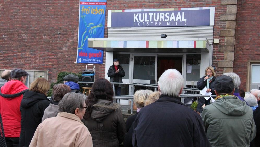 Flaggenhissaktion an der Horster Mitte 2017 (rf-foto)