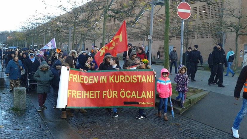 """""""Frieden für Kurdistan – Freiheit für Öcalan"""""""
