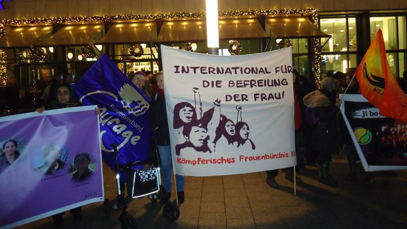 Weltweit Proteste gegen Gewalt an Frauen