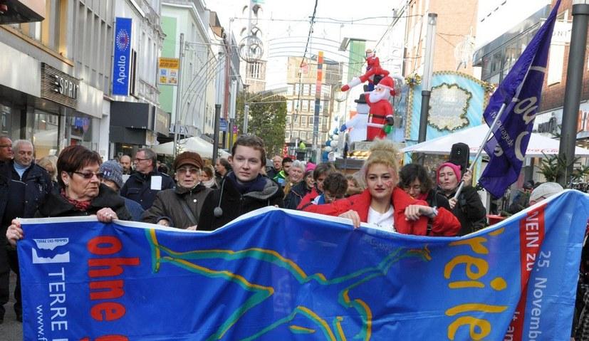 Proteste gegen reaktionäre Attacken auf das Recht zum Schwangerschaftsabbruch
