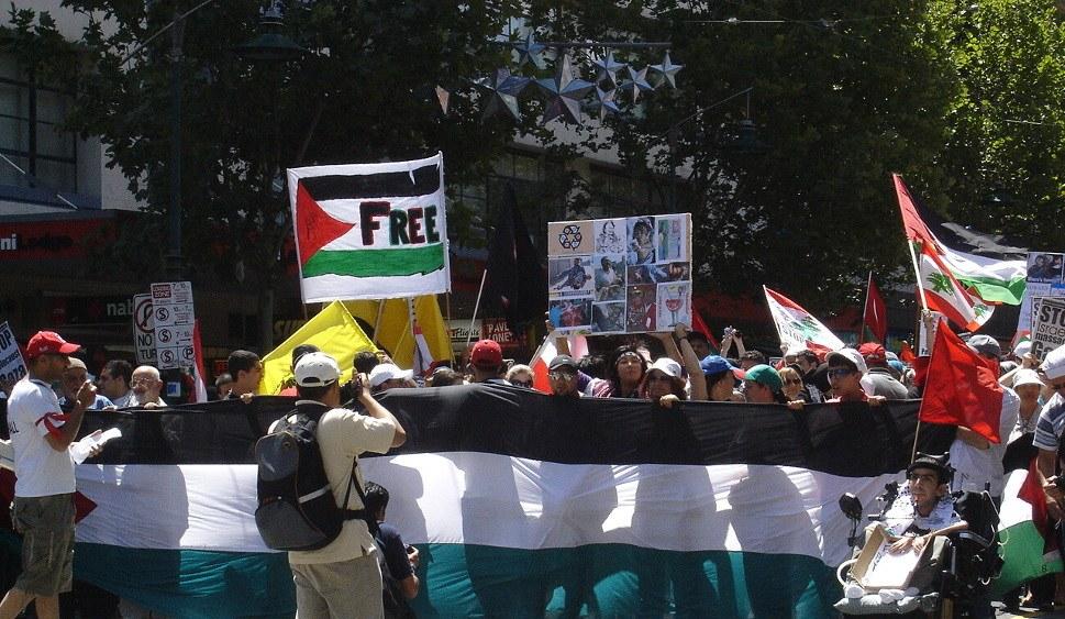 Der weltweite Widerstand - wie hier in Australien - ist jetzt gefragt (foto: Azreey (CC BY-SA 3-0))