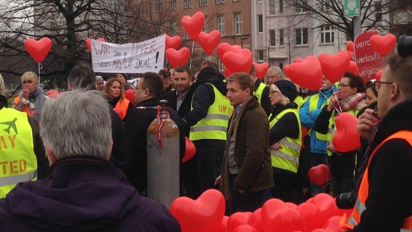 Air Berlin Beschäftigte vor dem Landtag