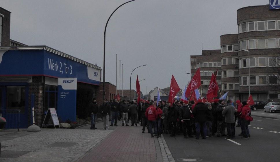 Schweinfurt: Zum Warnstreik auf die Straße (rf-foto)