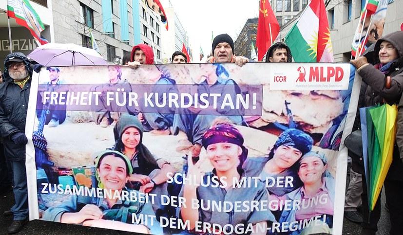Türkische Armee greift Efrîn auf dem Landweg an - Überall Proteste