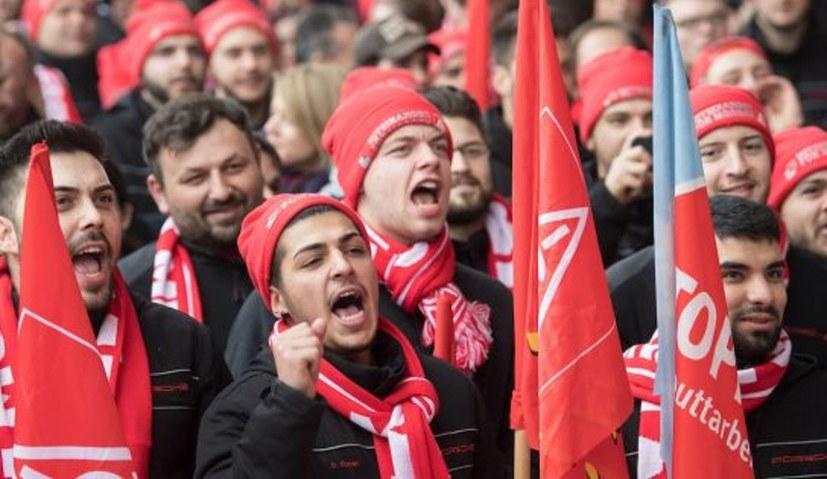 """Jugendverband REBELL: """"Jung und Alt gemeinsam kämpfen!"""""""