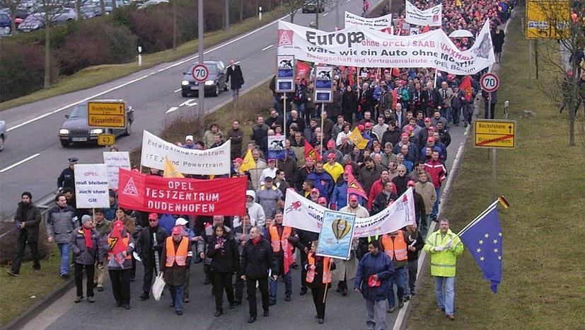 Kämpferische Opelaner-Demo in Rüsselheim anno 2009 (rf-foto)
