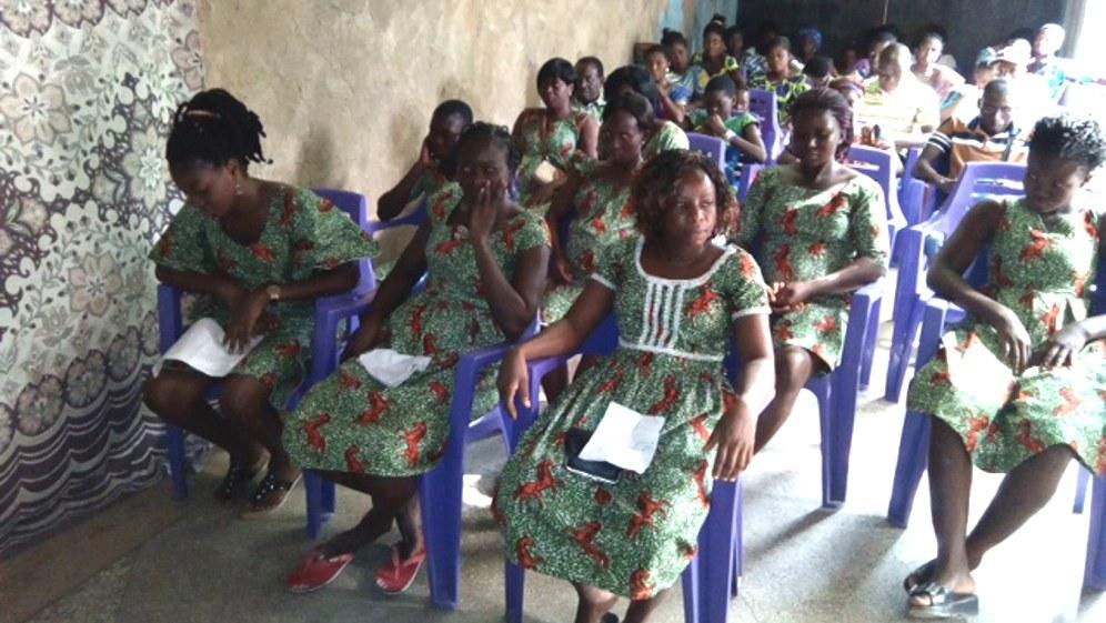 Togolesische Mädchen bei der Spendenübergabe am 31.12.2017 (Foto: RF)